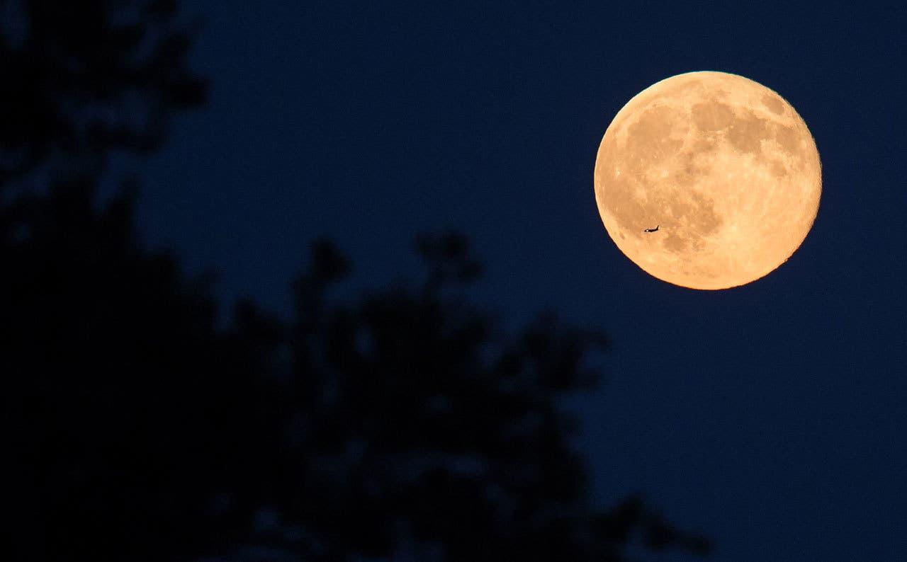 Luna llena en Aries, 13 de octubre: el fuego de otoño