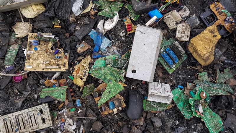 Contaminación de los suelos por causa de la basura electrónica