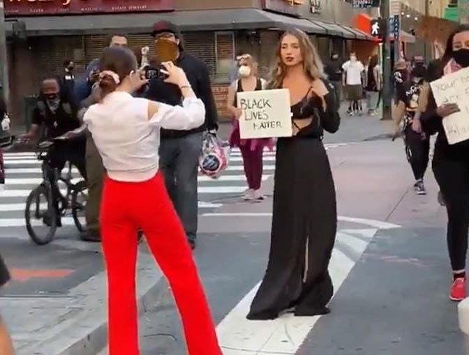 En la cuarentena y en las protestas, influencers hacen cosas ridículas para obtener likes