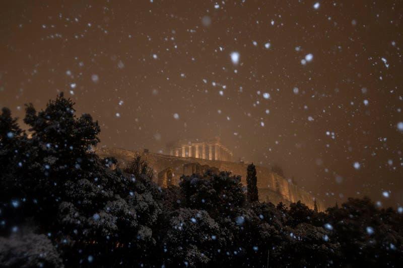 Nieve en el Partenón
