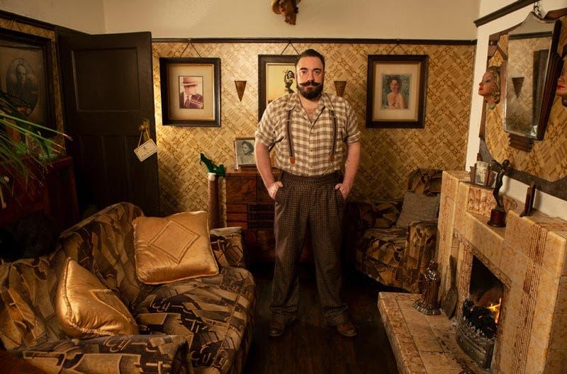 Aaron Whiteside vive en la época de los años 30