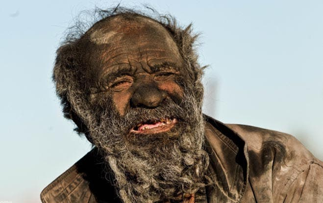 Man-Hasnt-bathed-60-Years-Photos-Iran2