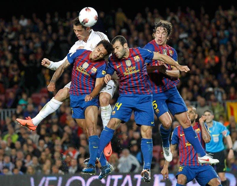 Golpear un balón con la cabeza te puede causar daño cerebral  1bfc57563ec03