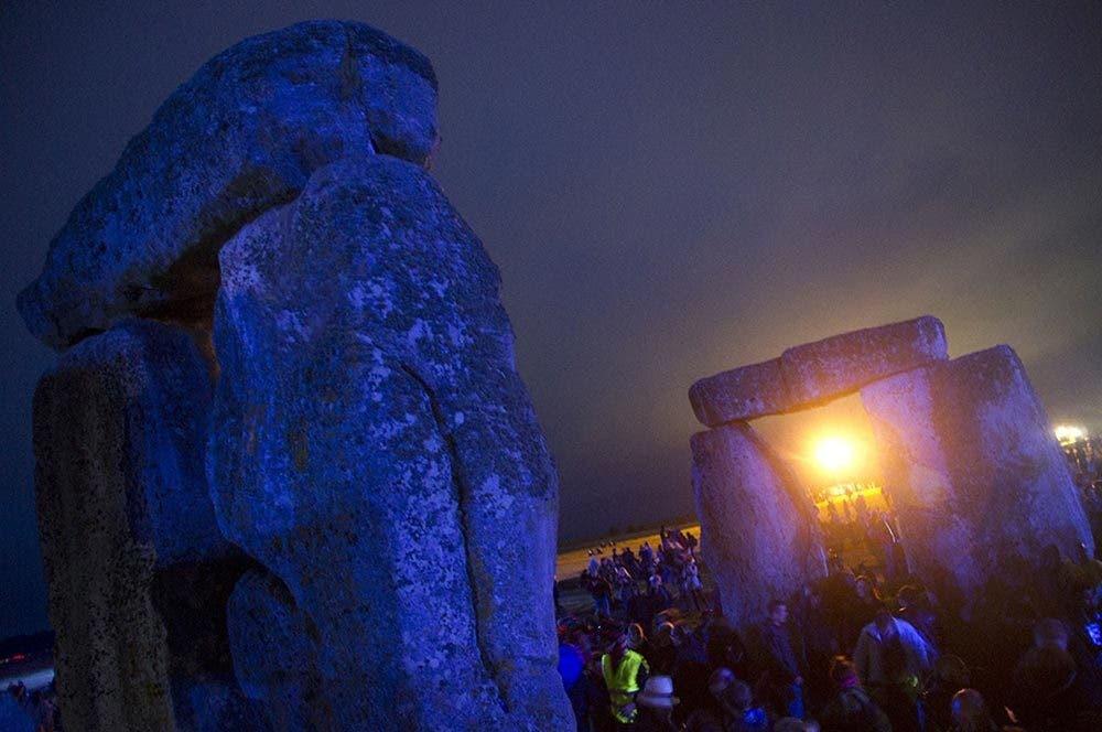 stonehenge moonlight - 1000×664